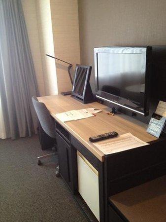 Nagoya Tokyu Hotel:                   desk