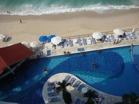 BEST WESTERN PLUS Suites Puerto Vallarta: Pool from room