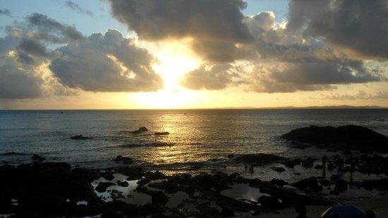 Pousada Encanto de Itapoan: Sunset Itapua Beach