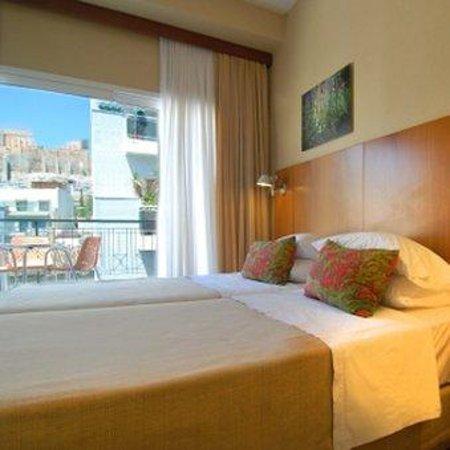 Philippos Hotel: Room