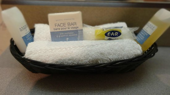 BEST WESTERN Pony Soldier Inn - Airport:                   toiletries
