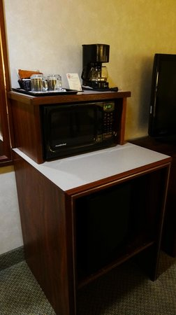 BEST WESTERN Pony Soldier Inn - Airport:                   coffeemaker, microwave and mini-fridge