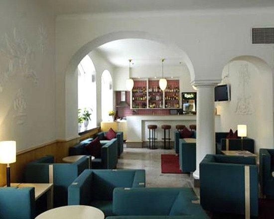 Crystal Plaza Hotel: Bar/Lounge 2
