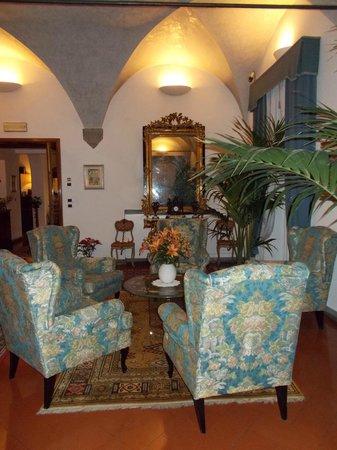 Hotel Rivoli:                   Lobby
