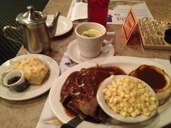 Johnny Appleseed Restaurant: beef with gravy...
