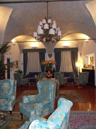 Hotel Rivoli:                   Another view of the lobby