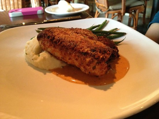 Tommy Bahama Restaurant & Bar: breaded chicken with sides