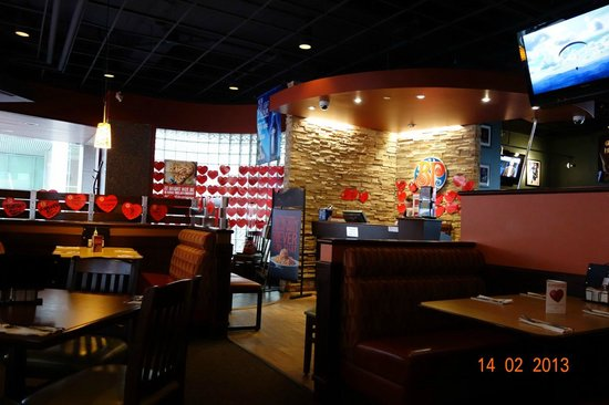 Boston Pizza: A view of the inside.