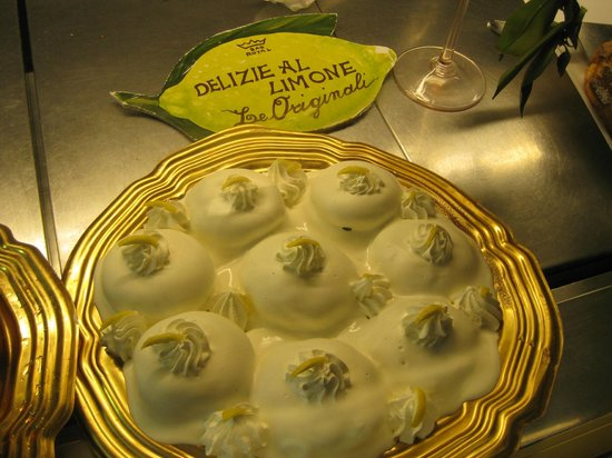 Bar Royal :                   Another Limon pastry