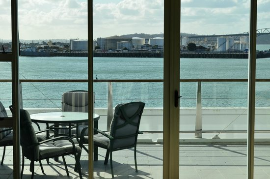 Auckland Waterfront Serviced Apartments:                   Balcony view