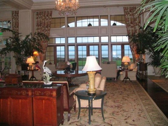 Kiawah Island Golf Resort :                   View of the lodging area near dining room