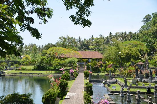 Tirta Gangga: Gardens