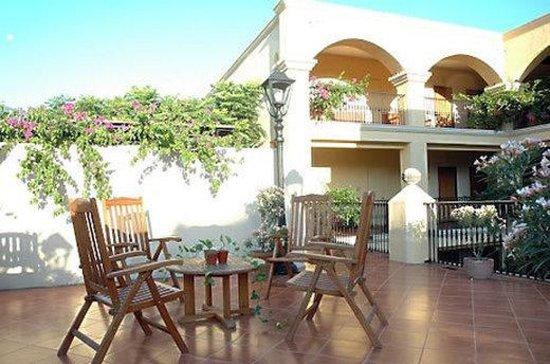 Hotel Las Palomas De Santiago: Exterior