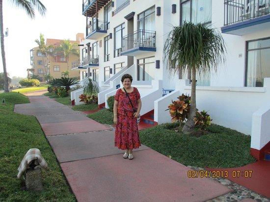 إلسيد مارينا بيتش هوتل:                                                       hotel grounds                           