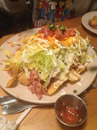 Jim 'N Nick's Bar-B-Q:                   kitchen sink pork nachos
