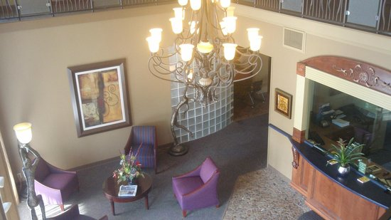 American Inn: Lobby View