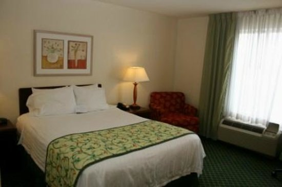 Fairfield Inn & Suites Chicago Southeast/Hammond: Single bed room