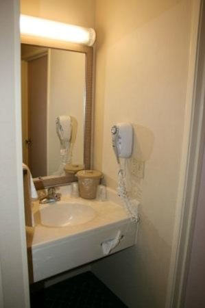 Fairfield Inn & Suites Chicago Southeast/Hammond: Bathroom