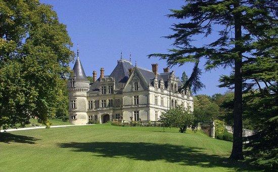 Chateau de la Bourdaisiere: Exterior