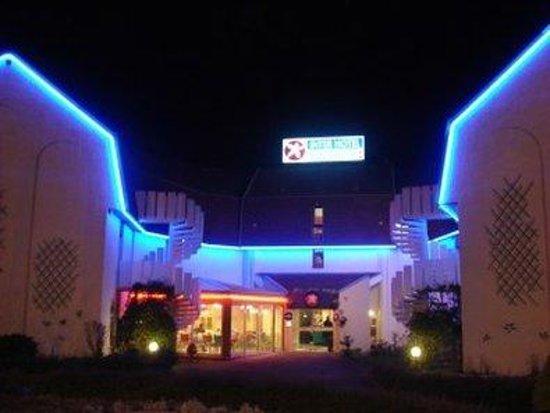 Photo of Hotel Le Chantereigne Sainte-Savine