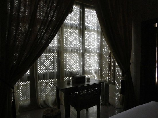 Riad Joya: The beautifully designed window of Dar Arabe room - looking from inside