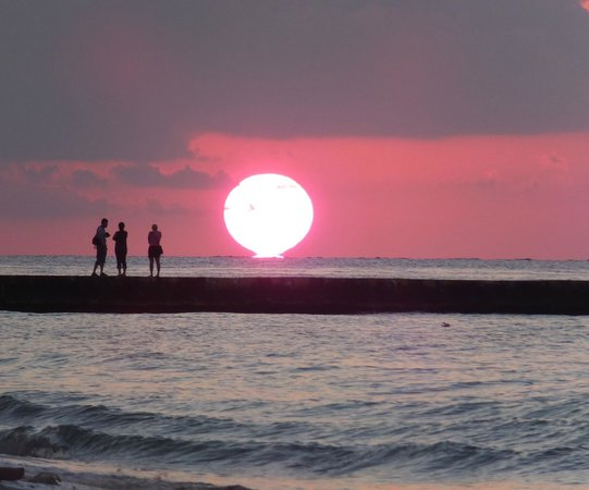 Meliá Cozumel Golf - All Inclusive:                                     What a sunset....