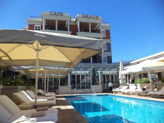 Cape Grace: Wondeful pool area