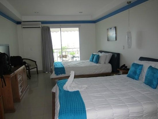 Amador Ocean View Hotel & Suites: Room with balcony
