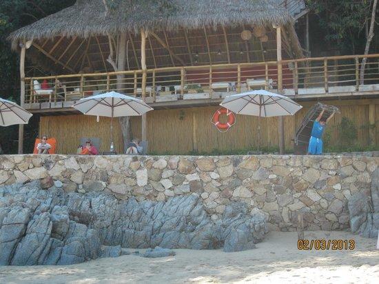Xinalani Retreat:                   Many lounge areas....