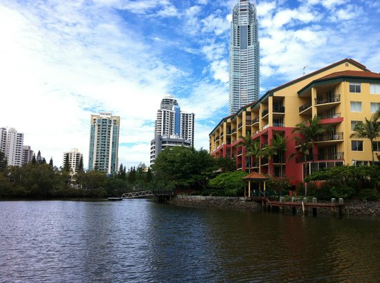 K resort surfers paradise review