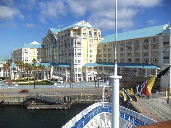 โรงแรมเดอะเทเบิ้ล เบย์: View from the cruise ship,Silver Wind