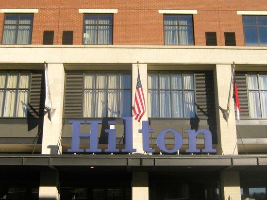 Hilton Asheville Biltmore Park: Hotel entry