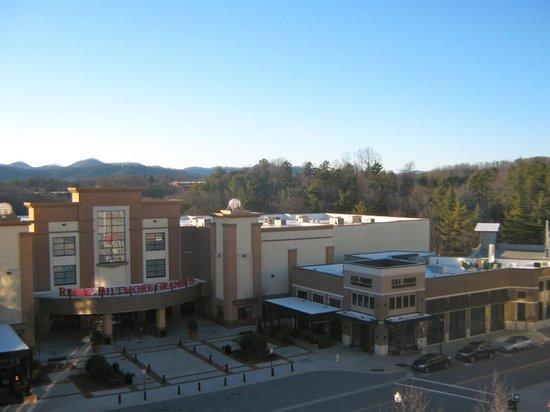 Hilton Asheville Biltmore Park: View from balcony