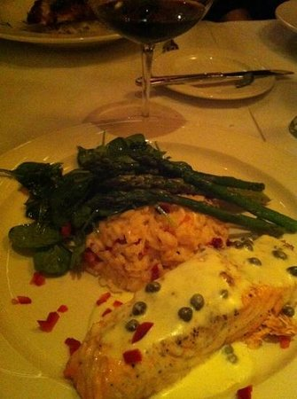 Louie's: Salmon Special