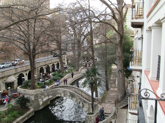 Omni La Mansion del Rio:                   View from our 3rd floor room of the Riverwalk.