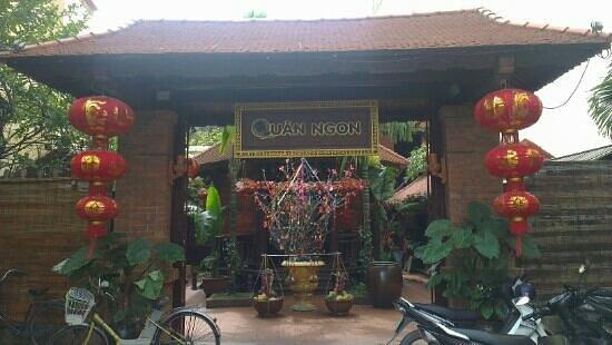 Quan Ngon Entrance