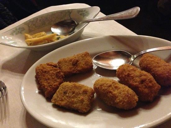 La Tana del Lupo:                   antipasti fritti....