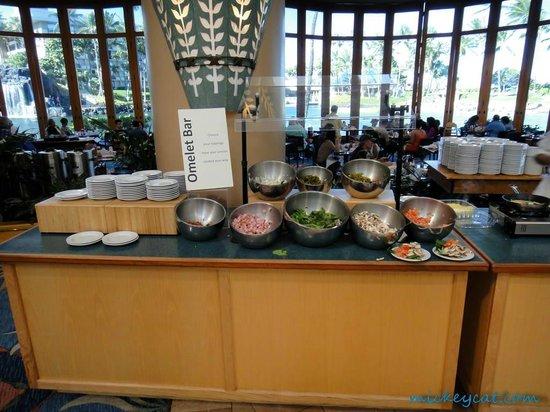 Big Island Breakfast at Water's Edge:                   好きなオムレツの具が選べます。
