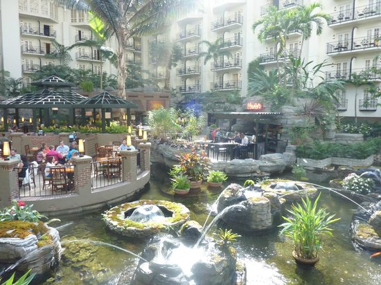 Gaylord Opryland Resort & Convention Center: Cafe in hotel
