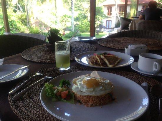 Hotel Villa-Ubud:                   朝食。チョイスできます!
