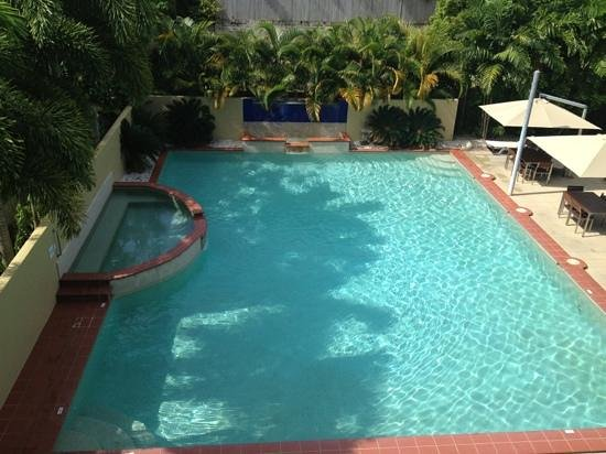 Central Plaza Port Douglas:                   The Beautiful Pool