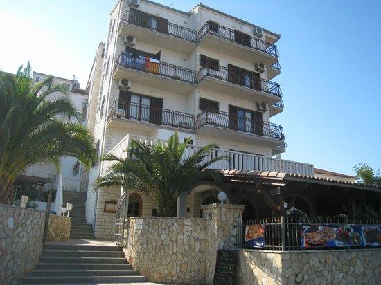 Villa Katarina:                   ホテル外観です
