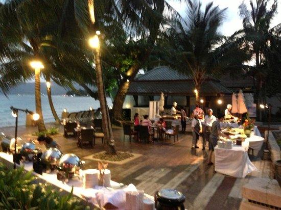 Novotel Samui Resort Chaweng Beach Kandaburi:                   Seafood BBQ Dinner