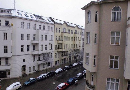 Mercure Hotel Berlin Zentrum :                   View from my 4th floor window