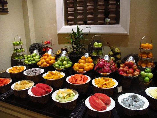Sofitel Angkor Phokeethra Golf and Spa Resort:                   Fruit display