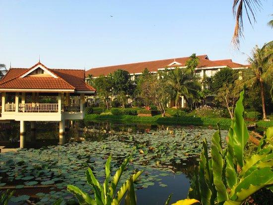 Sofitel Angkor Phokeethra Golf and Spa Resort:                   Pond in the morning