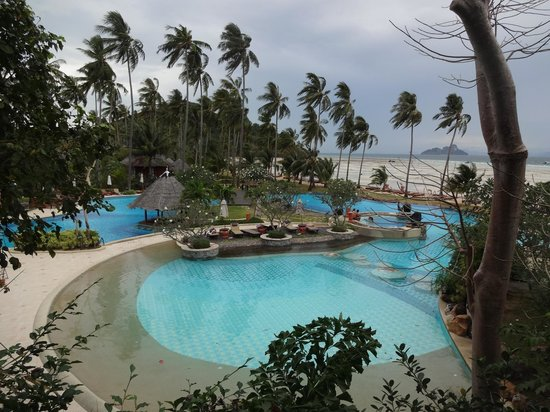 Phi Phi Island Village Beach Resort:                   Pool view from the Spa
