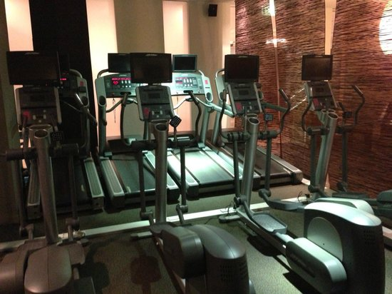 Sofitel Sydney Wentworth: Cross trainers and treadmills at Elixr Gym