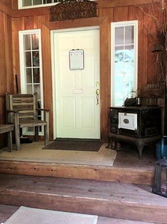 The Country Cedar Inn: front door