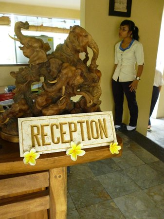 Biyukukung Suites and Spa : recepcion